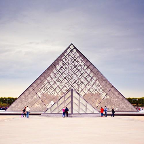 Cuba Gallery: France / Paris / Louvre / architecture / people / buildings / design / style / photography
