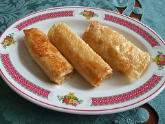 Fried beancurd skin rolls with crab