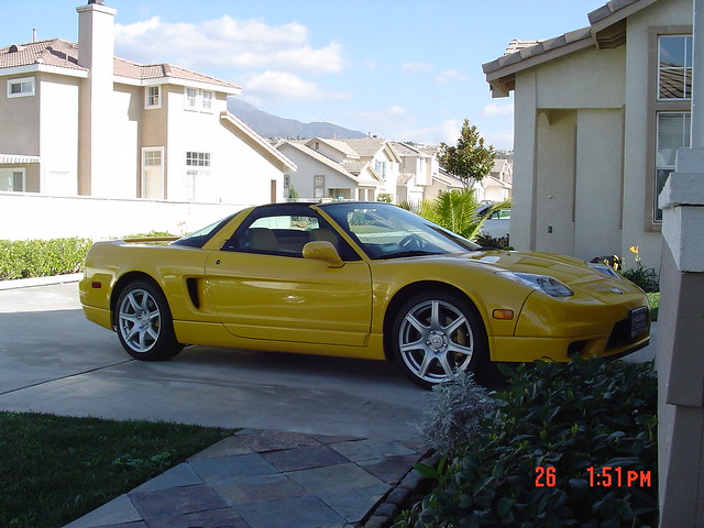 2004 yellow acura nsx
