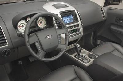 2007 Ford Edge crossover SUV (interior)
