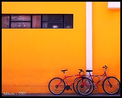 Colored bikes - by Edgardo Balduccio