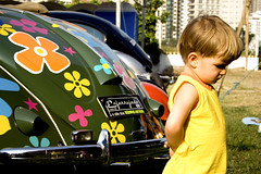 Volkswagen Bug, Beetle ou FUSCA (poperotico) Tags: boy brasil vw bug volkswagen child saopaulo beetle criana menino fusca jockeyclubsp worldbest brasilcollectioncars