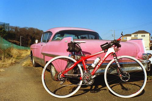Pink Chevy と TREK