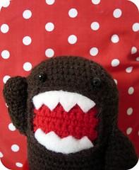 domo amigurumi (marimonias) Tags: red smile monster toy toys rojo doll dolls handmade crochet domo sombrero amigurumi vaso muecos monstruo bonecos bota lunares sonrisas