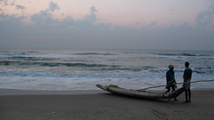 Marina Beach / Chennai @ 5.30 AM (Raksh1tha) Tags: morning man beach marina sunrise walk fisher chennai unature