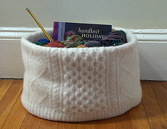 Felted Sweater Knitting Basket (kathrynivy.com) Tags: wool felted diy felting grace aran tutorial sewn marthastewartliving knittingbasket