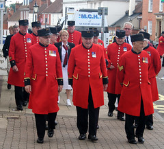 Chelsea Pensioners (Cathy G) Tags: odiham chelseapensioners scarlet visit veterans canon300d red coats soldiers canon