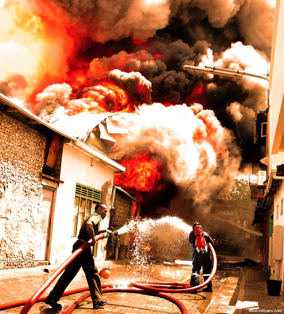 Fire: Disaster in the city by millzero on flickr