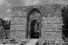 Tomb of Iltutmish (nbg90455) Tags: blackandwhite bw india delhi tomb unescoworldheritage mjb qutbminar iltutmish iltumish
