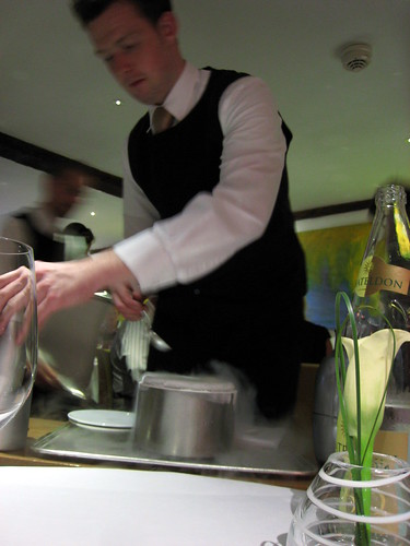 Preparation of the nitro-green tea and lime mousse