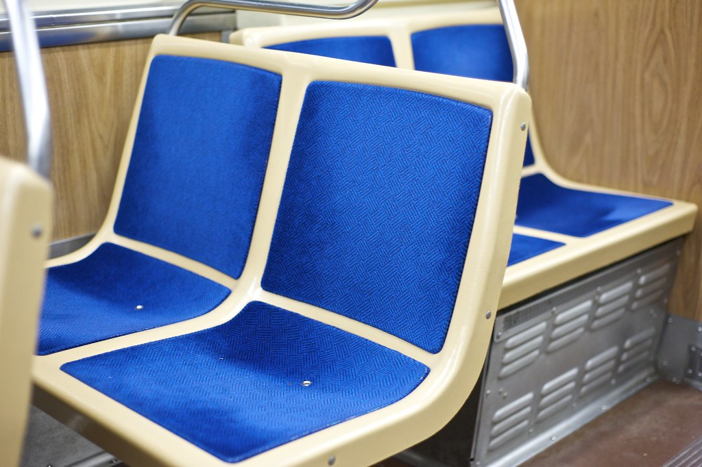 Seats on the L