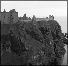 Dunnottar Castle promontory - by spodzone