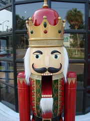 Astonished Nutcracker 4247 (mckenzieo) Tags: wintersolstice crown greetingcard astonishment woodentoy gardenstreet goodneighbor pensacolafl nutcrackerking freeimage purplehairedchick diychristmascard trinitycollection 700wgarden forbignuts dropjawed