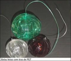 bolas pet (celia cristina, a achadora) Tags: pet natal mobiles recycled handmade artesanato recycling reciclagem reuse reciclados reciclage