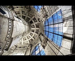 Staircase (Focusje (tammostrijker.photodeck.com)) Tags: france tower castle up stairs looking ceiling staircase chambord chateau 10mm
