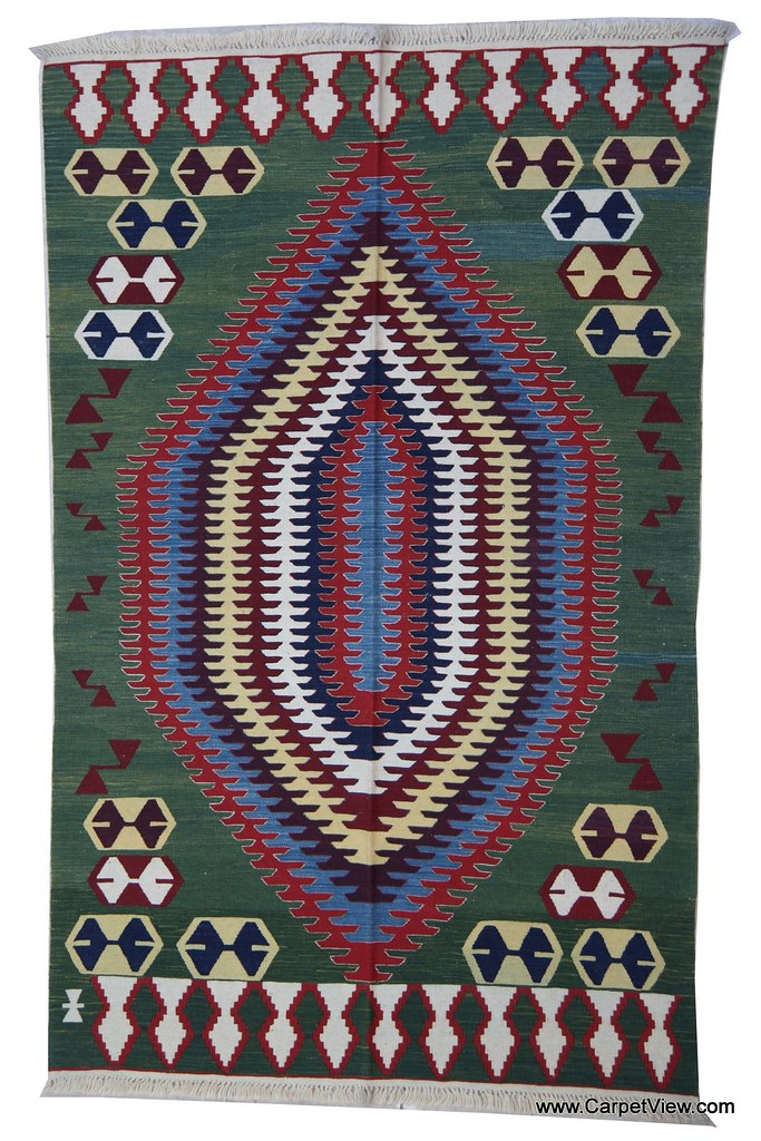 Oushak wool kilim carpet