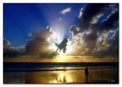 Rays (T Glow) Tags: seascape thebestbravo abigfave anawesomeshot goldenphotographer diamondclassphotographer