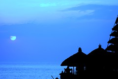 pura (Farl) Tags: travel blue sunset sky bali sun silhouette indonesia temple bravo horizon culture tradition hinduism tier tanahlot meru tabanan bluelist excellentphotographerawards