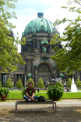 dave in front of the berliner dom