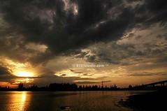 Sunset @ Tok Bali, Kelantan (2121studio) Tags: sunset boat nikon d70s malaysia pas kelantan kelantandarulnaim cultureheritage tokbali serambimekah kebudayaanwarisanbangsa