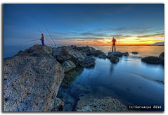 Sunset @ Bajadilla-Venus Beaches Wavebreaker #3 :: HDR (servalpe) Tags: sunset seascape marina canon atardecer venus sigma playa 1020 hdr marbella sigma1020mm rompeolas wavebreaker espigon eos450d mywinners servalpe bajadilla