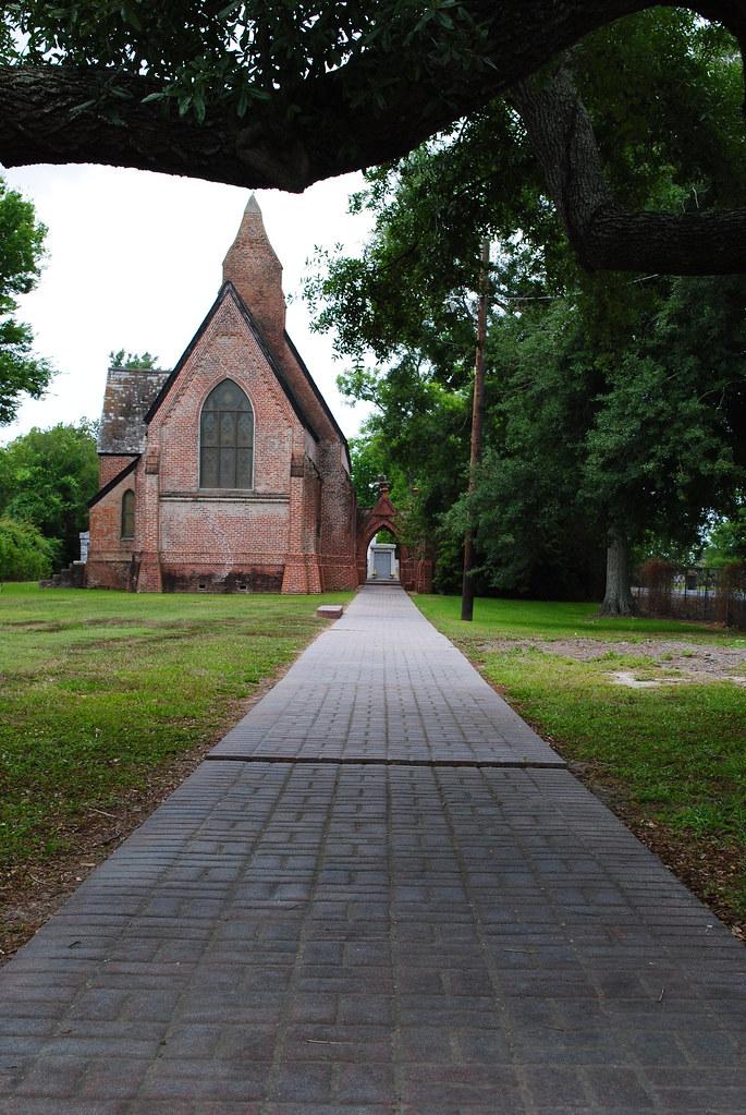 christ episcopal walkway