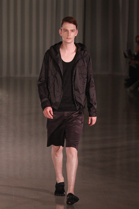 Vincent Hoogland3047_SS11_Tokyo_MOLFIC(Fashionsnap)