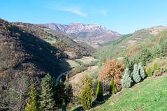 Autumn Scenery (alexcubata) Tags: sky mountain nikon пейзаж d90 паметник дядо diado dyado seuret dqdo гледа alexcubata ochildol yotso yotzo очиндол йоцо есенен сеурет ochindol