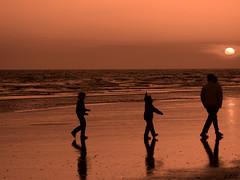 1 , 2 , 3 (Pedrali) Tags: sunset sun sol beach contraluz atardecer huelva playa personas siluetas reflejos puntaumbra blueribbonwinner olympuse500 40150mm supershot pedrali abigfave ltytr1 flickrdiamond