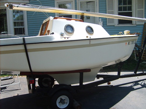 Guppy 13 - 'Gumdrop' starboard