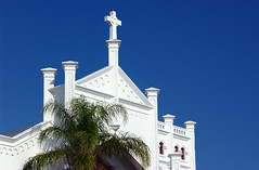 white church (Adam FLiK) Tags: blue white tree church photoshop nikon cross florida palm keywest peopleschoice d1x mywinners diamondclassphotographer flickrdiamond excellentphotographerawards flikproductionscom adamflikkema