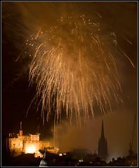 Edinburgh Fireworks (Ally Mac) Tags: from castle festival edinburgh edinburghcastle fireworks firework lightshow 07 2007 salisburycrags 70300is canon400d athurseat