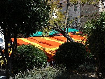 sous les tentes....jpg