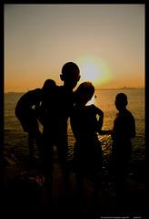 four siluets poniente (golunvolo) Tags: friends sunset summer beach puerto la muelle malecon linea pantalan