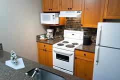 Spacious Full Kitchen - Tantalus Resort Lodge