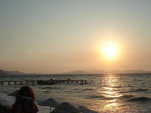 2007 Kuşadası, Davutlar'da gün batımı by keyif11.