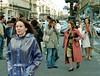 Paris 2006 (mallorcarain) Tags: vinyl raincoat rainwear pvc fakes streetshot streetfashion cire regenmantel lackmantel impérmeable raingewar