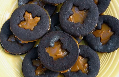 Leaf Dulce De Leche Cookies