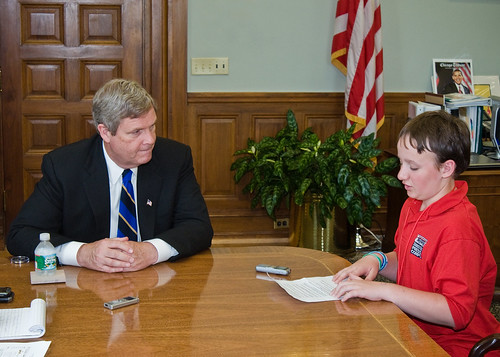 Agriculture Secretary Tom Vilsack (left) granted Jonas Hosmer (right) a reporter with the Scholastic Kids Press Corps an interview on Wednesday, May 19, 2010