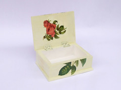 "Jewellery box ""Letter with Roses"" (inside)"