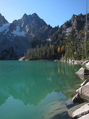 colchuck lake (Sean Munson) Tags: mountain lake mountains reflection fall water landscape washington hiking peak glacier nationalforest wa wilderness larch colchuck colchuckpeak alpinelakeswilderness wenatcheenationalforest colchucklake colchucklaketrail trail1599a colchucklaketrail1599a