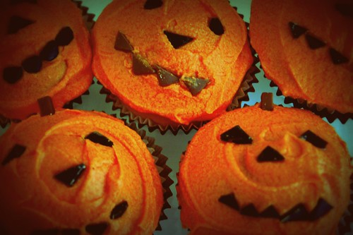 Side By Side Week 57 - Halloween Cupcakes