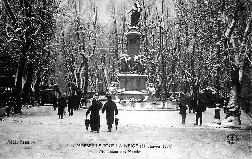 neige au monument Mobiles à Marseille le 14 janvier 1914