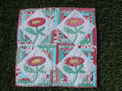 DQSII Tropical Flower Log Cabin (WendysKnitch) Tags: quilt logcabin quilting applique dollquilt dqsii dqs2