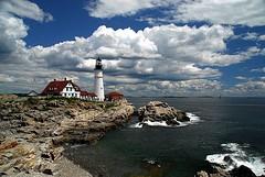 Beautiful Day in Maine (Nikographer [Jon]) Tags: lighthouse seascape me landscape maine newengland july jul phl atlanticocean portlandheadlight 2007 mainecoast capeelizabeth cascobay capeelizabethmaine tncocean07 jss20081 imagesforblog1 nikogi2012