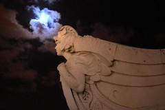 moon on marques de pombal (bacalhau21) Tags: moon statue night dark lisboa moonlight marquesdepombal