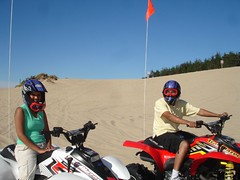 DSC05239 (ofthe_jungle) Tags: road trip oregon sand painted dunes hills pooja puneet vishal manju rahul aruna reedsport moofie