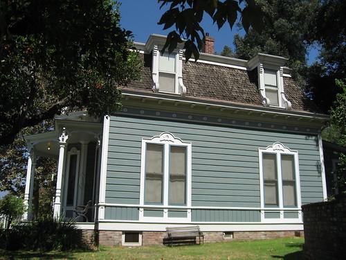 Valley Knudsen Garden Residence