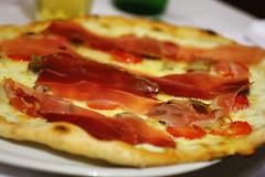 Kare's pizza