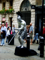 (angiebaby1622) Tags: street london silver audience humanstatue tourists coventgarden streetperformer gladiator onlookers